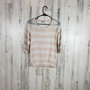 5/$25 Issi sparkly crochet long sleeve size M